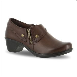 Easy Street Darcy 9 Extra Wide Brown Ankle Booties